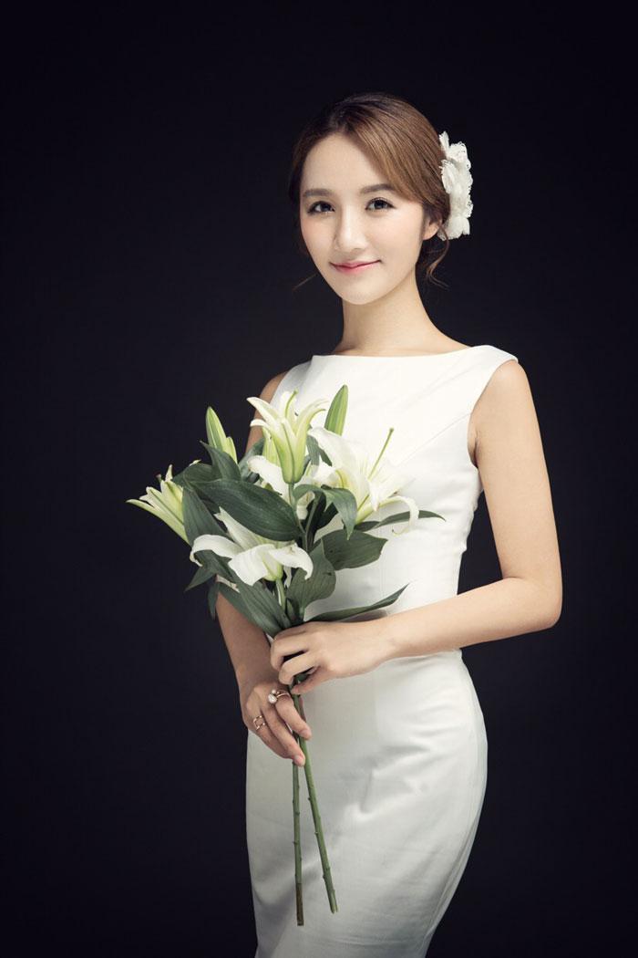 泱泱,甜美日韩范儿平面模特,目前已是多家影楼工作室合作女模,担任