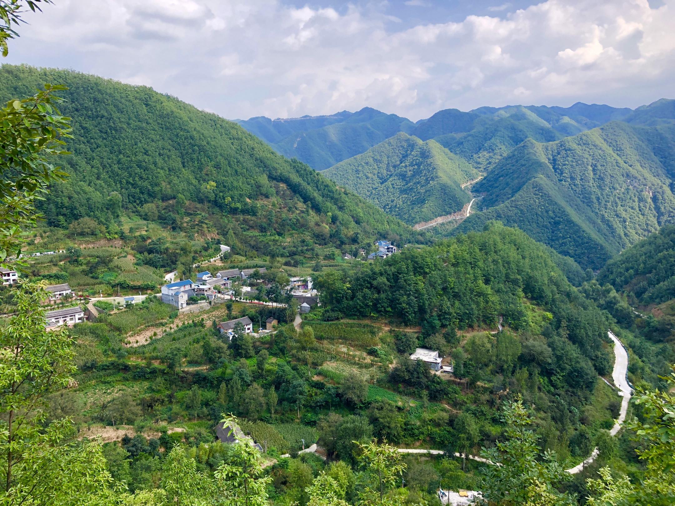昨日行走栾川小镇,感受风景如画!