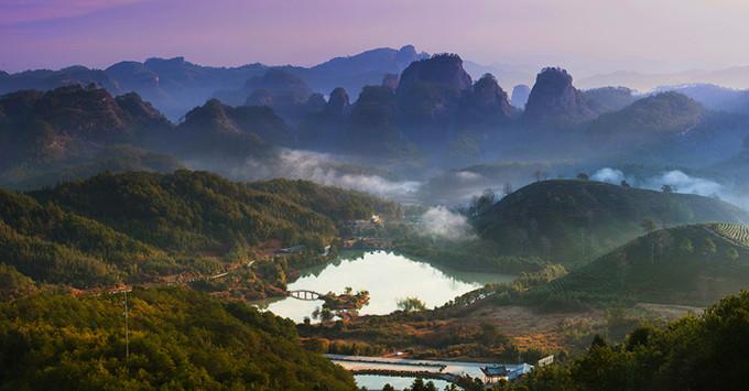 武夷山 ,泰宁古城,大安源生态村,齐云峰,天上宫;十里景观漫步超值四