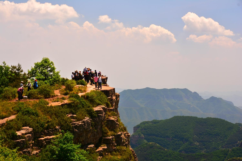 八泉峡简介 八泉峡旅游风景区是山西太行山大峡谷内风景最为壮美