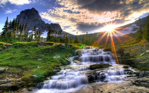 为人沉敛,胸襟开阔,有一颗感恩的心,懂得欣赏别人,待人谦和有礼留余地
